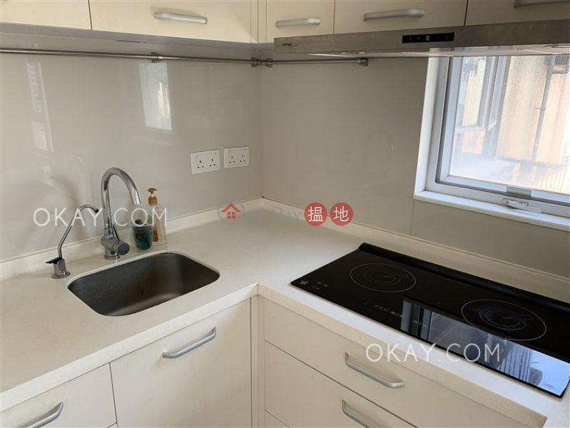 HK$ 25,000/ month | Ying Fai Court, Western District | Tasteful 1 bedroom on high floor with terrace | Rental