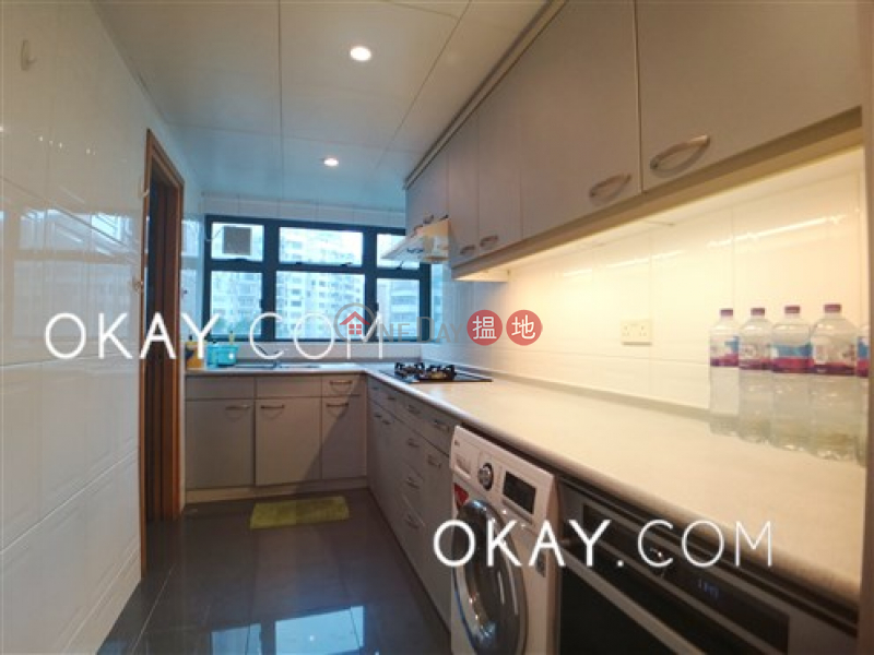 Gorgeous 3 bedroom with harbour views & parking | Rental | 80 Robinson Road 羅便臣道80號 Rental Listings