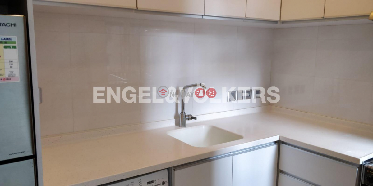 3 Bedroom Family Flat for Rent in Mid Levels West, 8 Robinson Road | Western District | Hong Kong Rental HK$ 38,000/ month