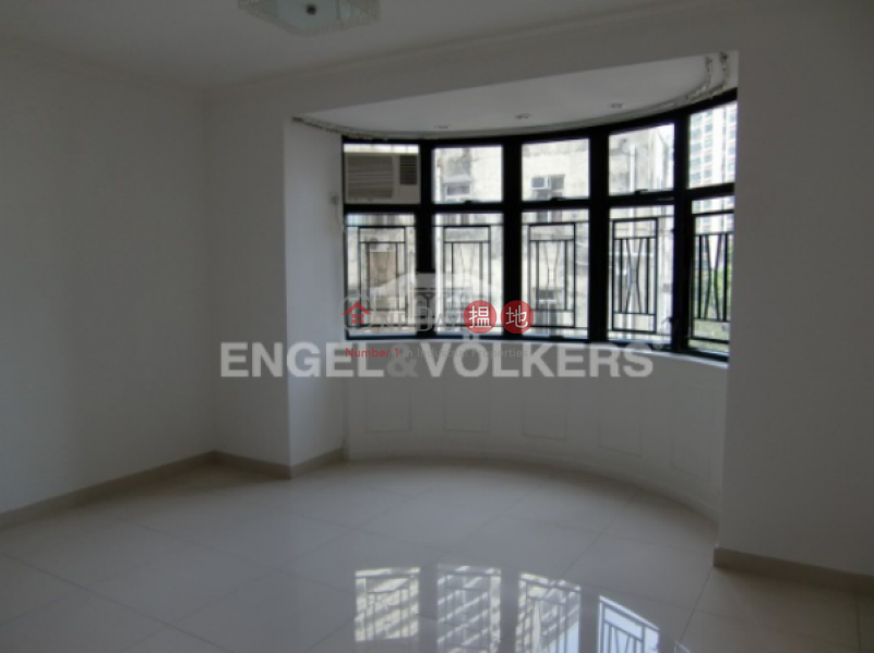 HK$ 39,800 Scenic Heights, Western District 3 Bedroom Family Flat for Sale in Mid Levels - West