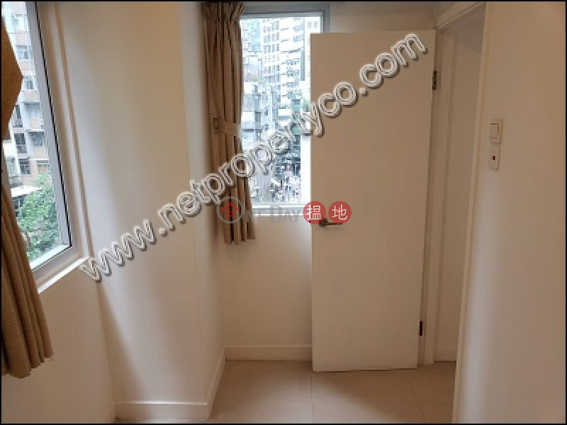 HK$ 25,000/ month, 103-105 Jervois Street | Western District | A 2-room office for lease in Sheung Wan