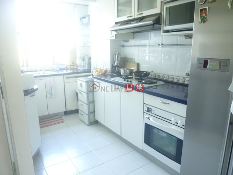 Discovery Bay, Phase 2 Midvale Village, Marine View (Block H3) | 3 Bedroom Family Unit / Flat / Apartment for Rent 19 Middle Lane | Lantau Island, Hong Kong | Rental HK$ 70,000/ month