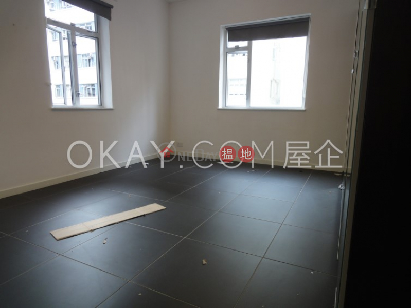 Charming 2 bedroom with balcony   Rental, North Point View Mansion 美景新廈 Rental Listings   Eastern District (OKAY-R5895)