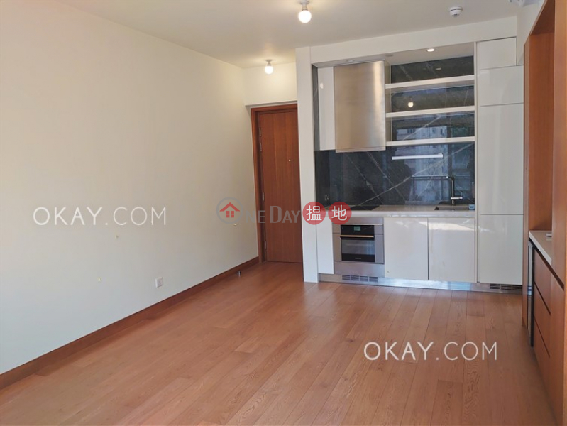 HK$ 38,000/ month, Resiglow Wan Chai District Gorgeous 2 bedroom with balcony | Rental