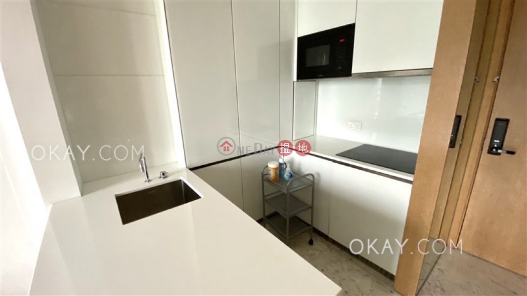 HK$ 10M The Gloucester, Wan Chai District, Generous 1 bedroom with balcony | For Sale