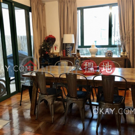 Tasteful house with sea views, balcony   Rental