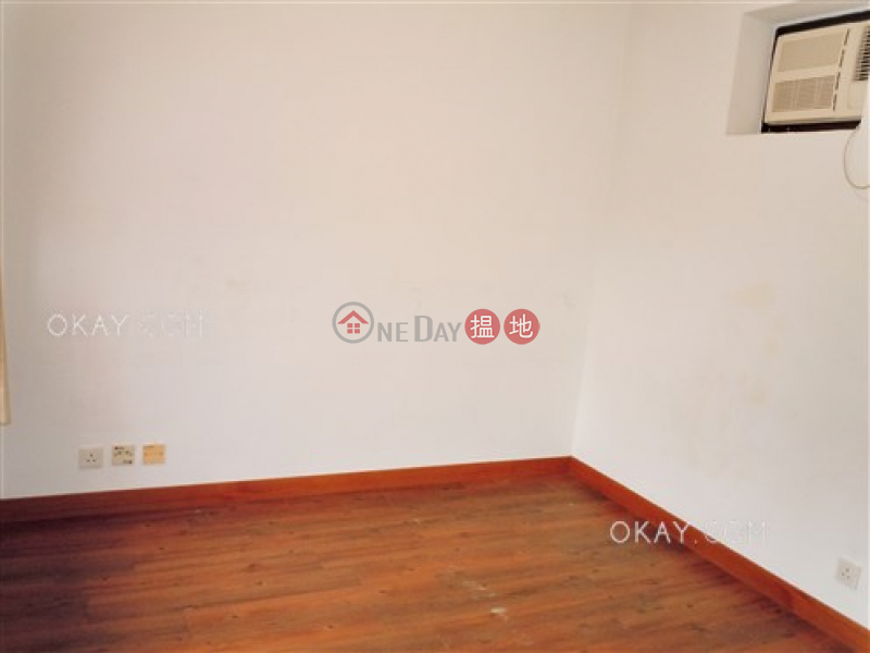 Tasteful 3 bedroom with parking | For Sale | Blessings Garden 殷樺花園 Sales Listings