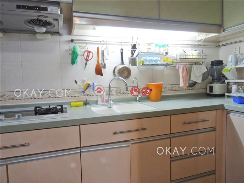 HK$ 9.5M | Wah Hoi Mansion | Eastern District, Tasteful 3 bedroom in Fortress Hill | For Sale