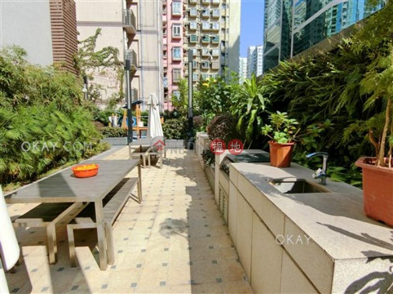 HK$ 1,800萬|渣華道98號-東區|3房2廁,極高層,星級會所,連租約發售《渣華道98號出售單位》