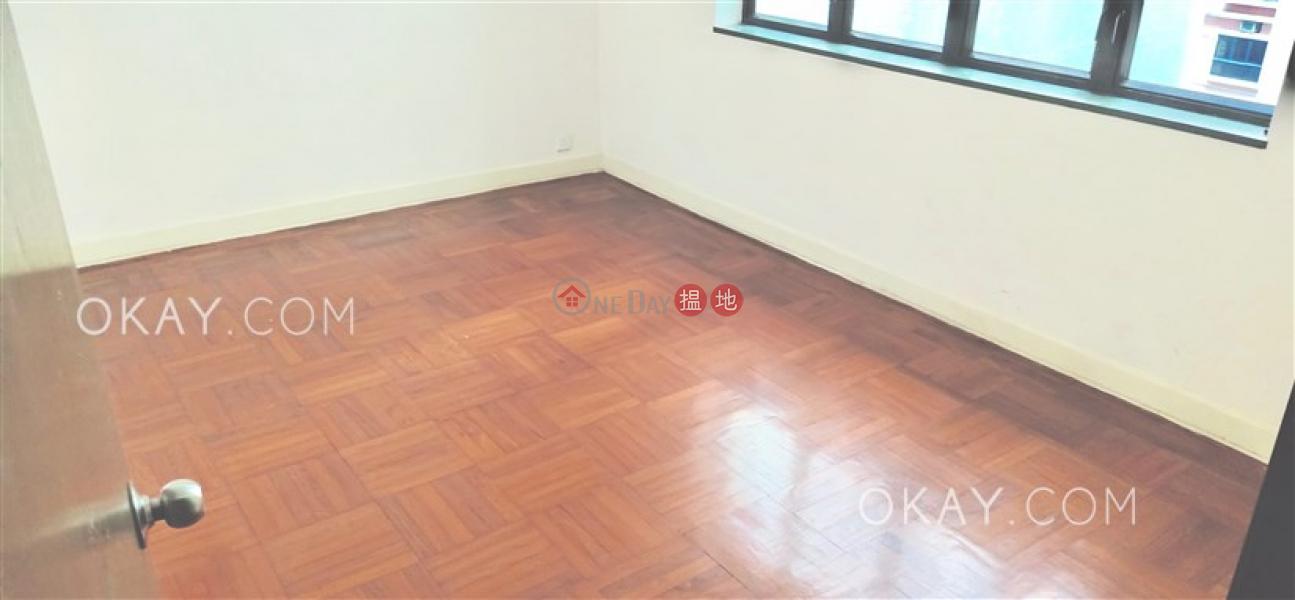HK$ 2,800萬彝年大廈西區-3房2廁,實用率高,可養寵物,連車位《彝年大廈出售單位》