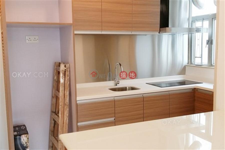 Nicely kept 2 bedroom in Causeway Bay | Rental | Great George Building 華登大廈 Rental Listings