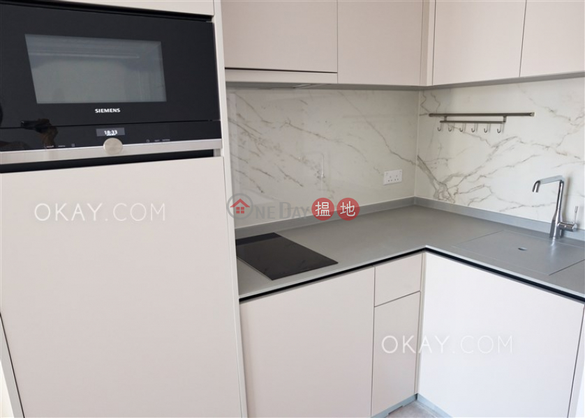HK$ 28,100/ month Resiglow Pokfulam, Western District, Unique 1 bedroom with balcony | Rental
