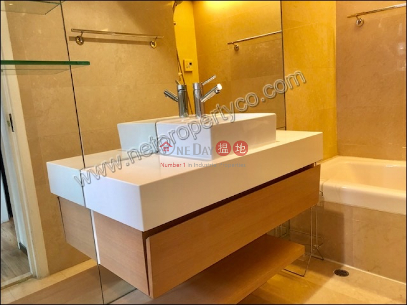 HK$ 65,000/ month Le Village, Wan Chai District | Brand New Apartment for Both Sale and Rent