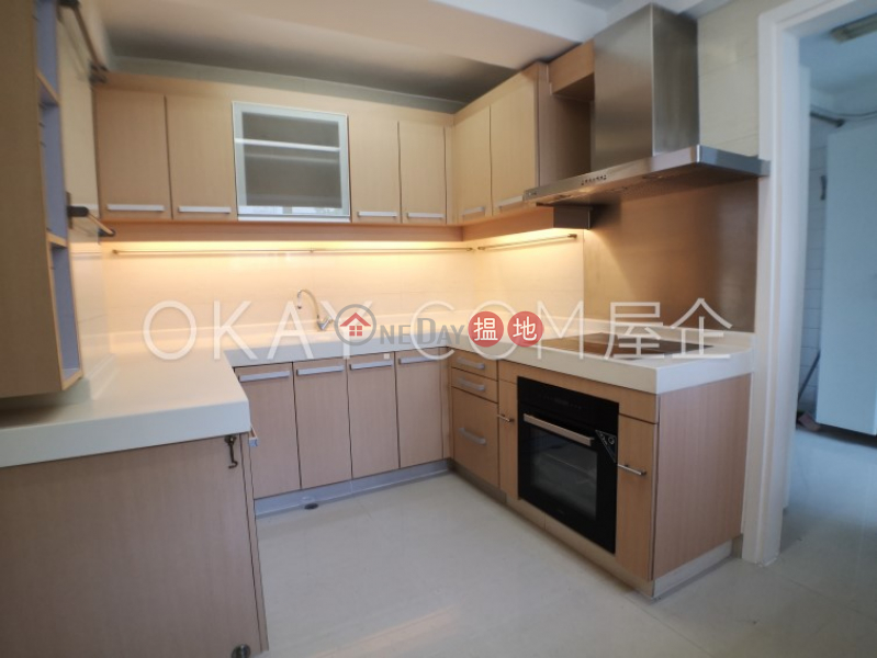 HK$ 68,000/ month Unicorn Gardens Southern District, Stylish 3 bedroom with balcony & parking | Rental