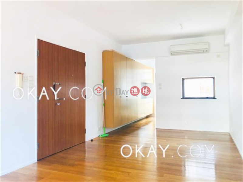HK$ 22M | Billion Terrace | Wan Chai District Charming 3 bedroom with parking | For Sale
