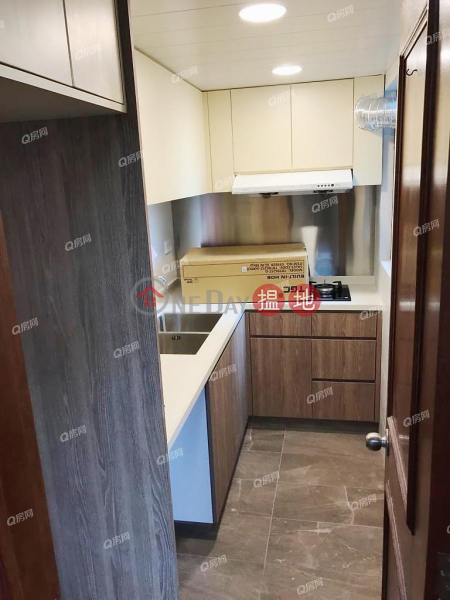 HK$ 29,700/ month, Kennedy Town Centre, Western District Kennedy Town Centre | 3 bedroom Low Floor Flat for Rent