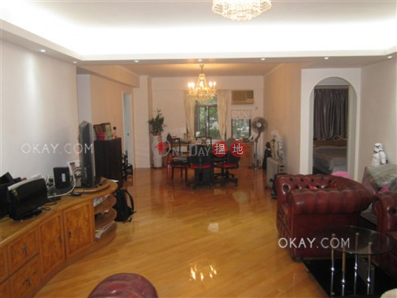 HK$ 36M | Right Mansion Western District Gorgeous 3 bedroom with balcony & parking | For Sale