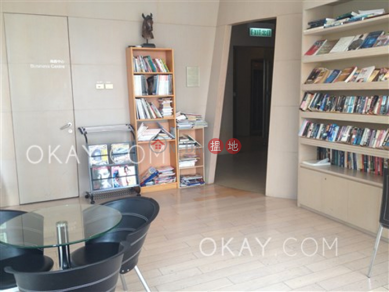 Nicely kept 3 bedroom on high floor with balcony | Rental 238 Aberdeen Main Road | Southern District, Hong Kong | Rental HK$ 31,000/ month