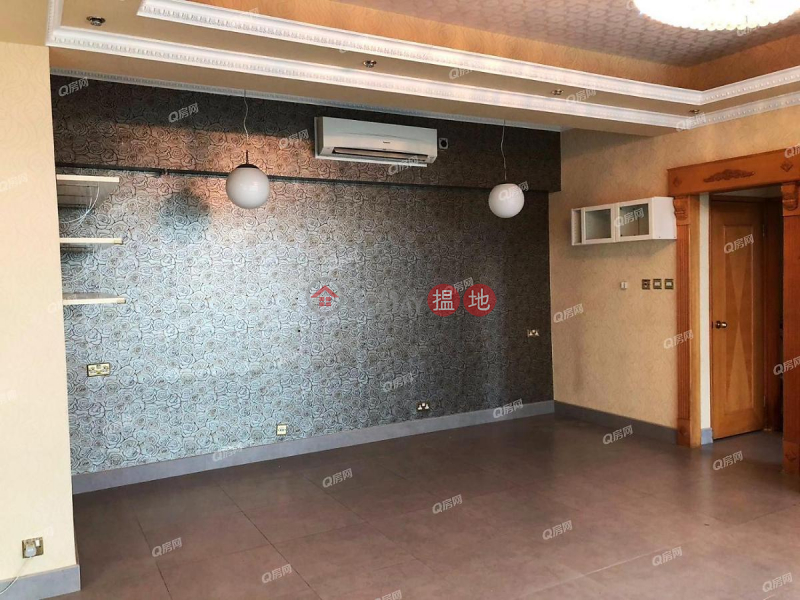 Property Search Hong Kong | OneDay | Residential | Sales Listings, Parkside Villa Block 2 | 5 bedroom High Floor Flat for Sale