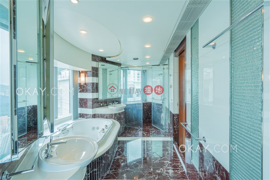 Stylish 4 bedroom with parking | Rental, High Cliff 曉廬 Rental Listings | Wan Chai District (OKAY-R1602)