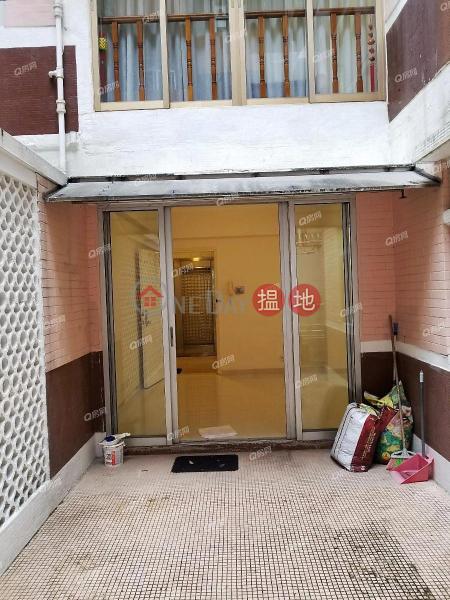 HK$ 15M | Regent Court Wan Chai District Regent Court | 3 bedroom Mid Floor Flat for Sale