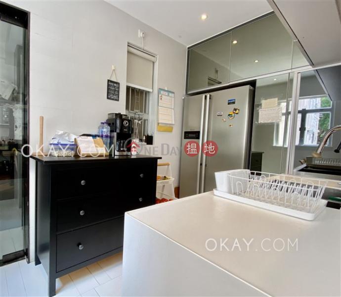 Efficient 4 bedroom with parking   Rental   Greenview Gardens 景翠園 Rental Listings