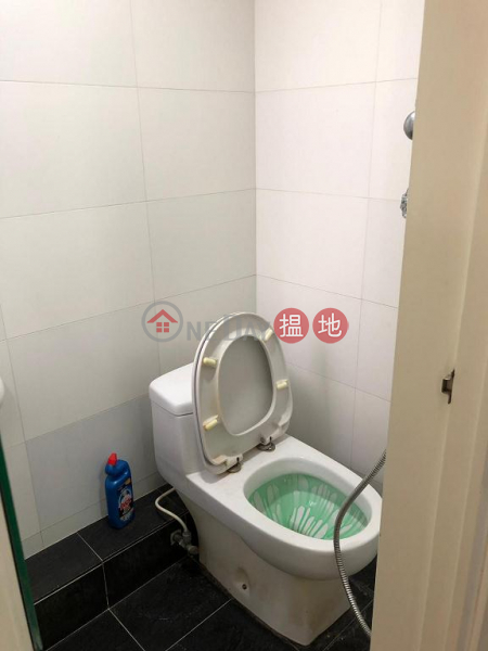 Flat for Rent in Chung Nam Mansion, Wan Chai | Chung Nam Mansion 中南樓 Rental Listings