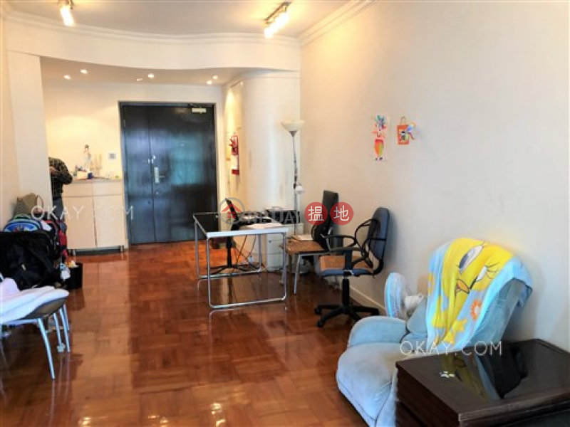 HK$ 2,000萬|信怡閣西區-3房2廁,實用率高,極高層,可養寵物《信怡閣出售單位》