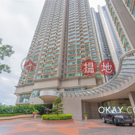 Luxurious 3 bedroom in Mid-levels West | For Sale