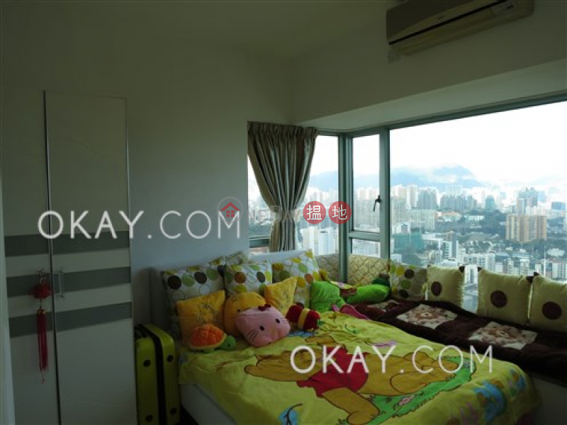 Lovely 3 bedroom on high floor with balcony | Rental | Tower 3 The Victoria Towers 港景峯3座 Rental Listings