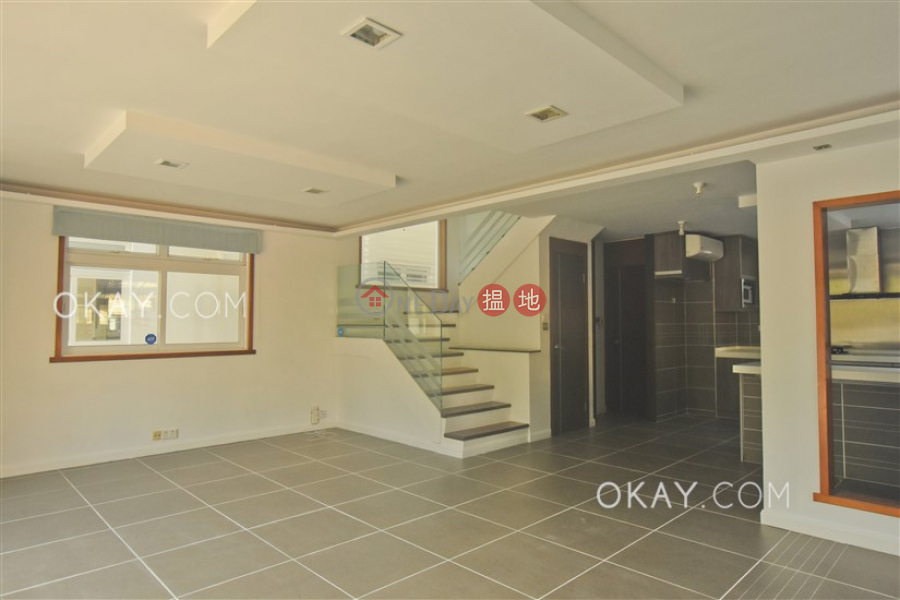 Property Search Hong Kong | OneDay | Residential, Rental Listings | Elegant house with rooftop, balcony | Rental