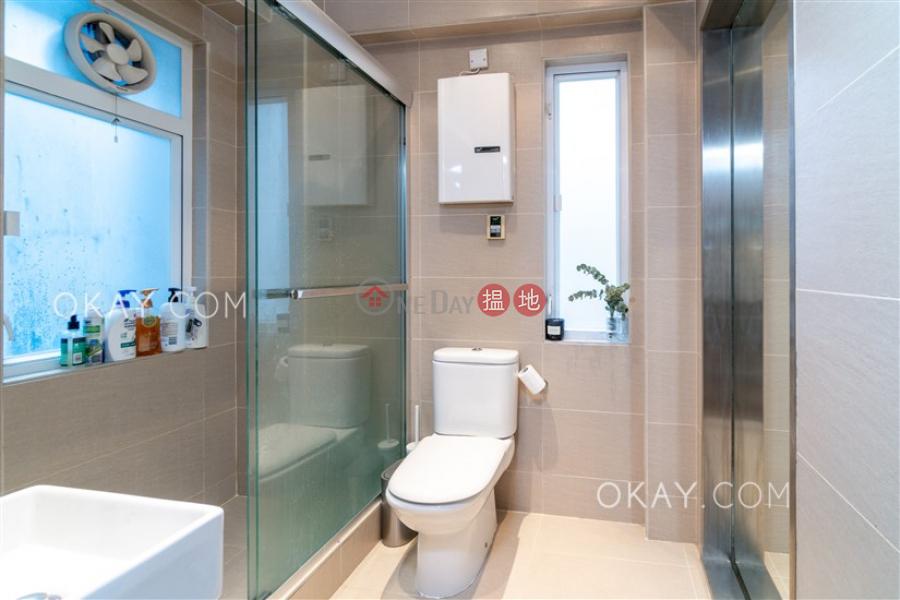 HK$ 1,800萬 輝永大廈-西區2房2廁,露台輝永大廈出售單位