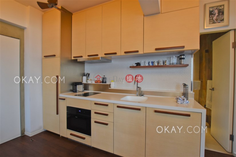 HK$ 8.4M, True Light Building, Western District Unique 1 bedroom on high floor with balcony | For Sale