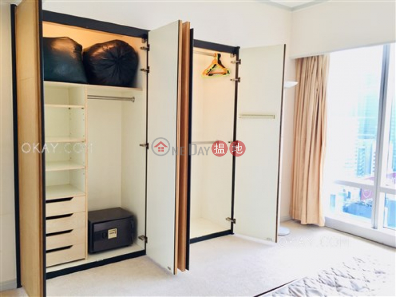 HK$ 70,000/ month Convention Plaza Apartments Wan Chai District | Exquisite 2 bedroom on high floor with sea views | Rental