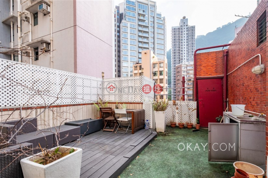 HK$ 11M Fook Kee Court | Western District | Popular penthouse with rooftop | For Sale