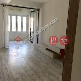 Elegant Contemporary Designed Apartment