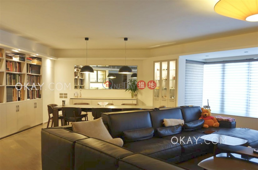 Beautiful 3 bedroom with parking   For Sale   Tregunter 地利根德閣 Sales Listings