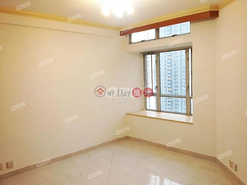 Locwood Court Tower 11 - Kingswood Villas Phase 1, Middle, Residential, Sales Listings HK$ 5.88M