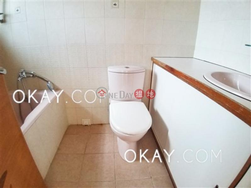 3房2廁,實用率高,連車位,露台《賽西湖大廈出租單位》-15-43寶馬山道   東區-香港出租 HK$ 52,000/ 月
