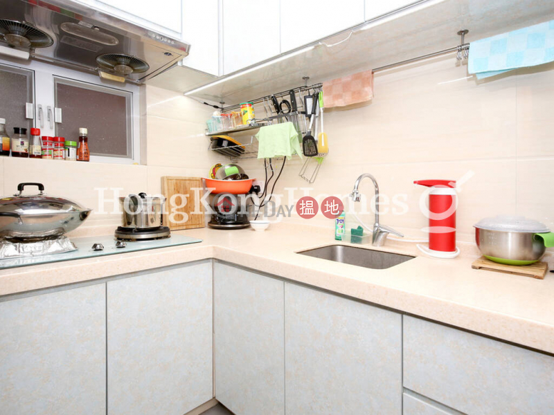 2 Bedroom Unit at Block B Tung Fat Building   For Sale   Block B Tung Fat Building 東發大廈B座 Sales Listings