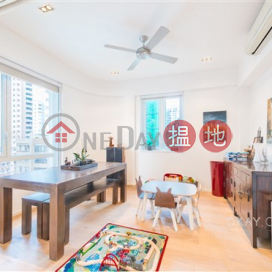 Charming 3 bedroom on high floor with rooftop & parking   For Sale