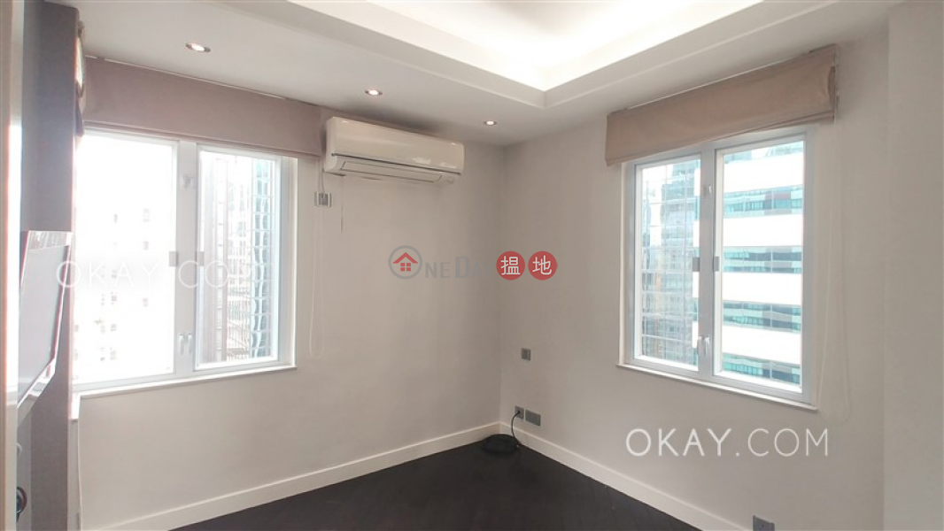 HK$ 9.8M | Pak Tak Building | Wan Chai District | Practical 2 bedroom on high floor | For Sale