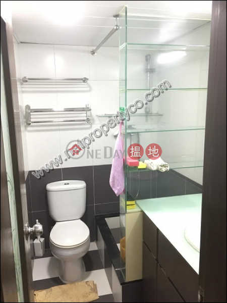 HK$ 25,000/ month | Luckifast Building | Wan Chai District | 2-bedroom unit with a terrace for rent in Wan Chai
