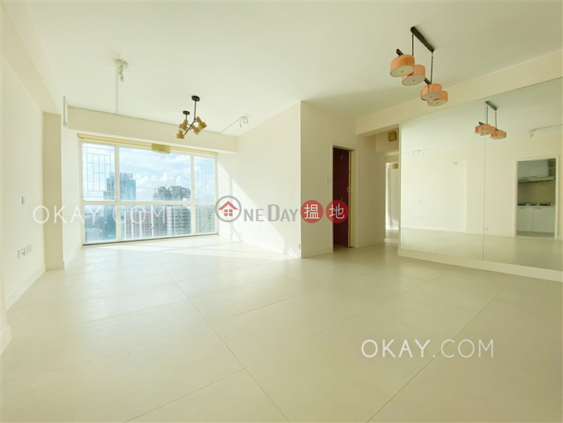 HK$ 42,000/ month | Seaview Garden Eastern District | Gorgeous 3 bedroom with balcony & parking | Rental