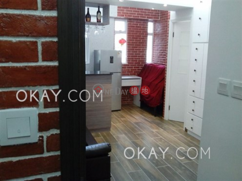 HK$ 23,000/ month | 11-13 Old Bailey Street | Central District, Rare 1 bedroom on high floor with rooftop | Rental