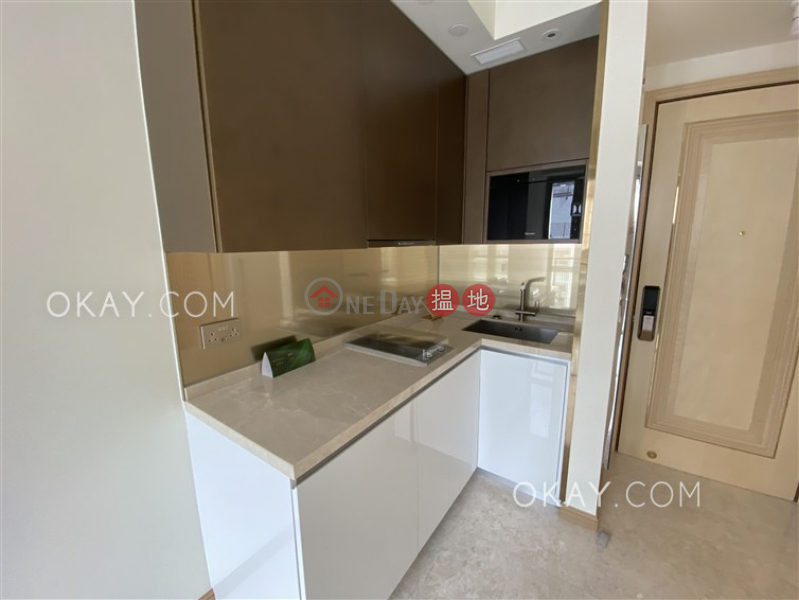HK$ 18,900/ month | Amber House (Block 1) | Western District, Tasteful 1 bedroom with balcony | Rental