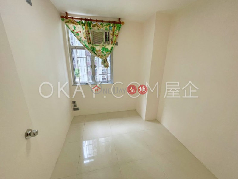 HK$ 25,000/ month | (T-32) Ko On Mansion On Shing Terrace Taikoo Shing, Eastern District, Charming 3 bedroom in Quarry Bay | Rental