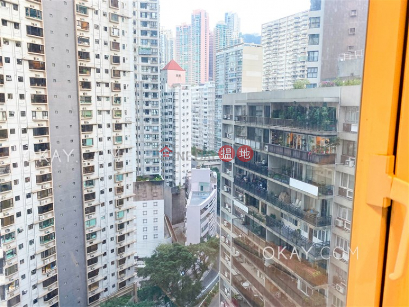 Nicely kept 2 bedroom with balcony | For Sale | The Icon 干德道38號The ICON Sales Listings