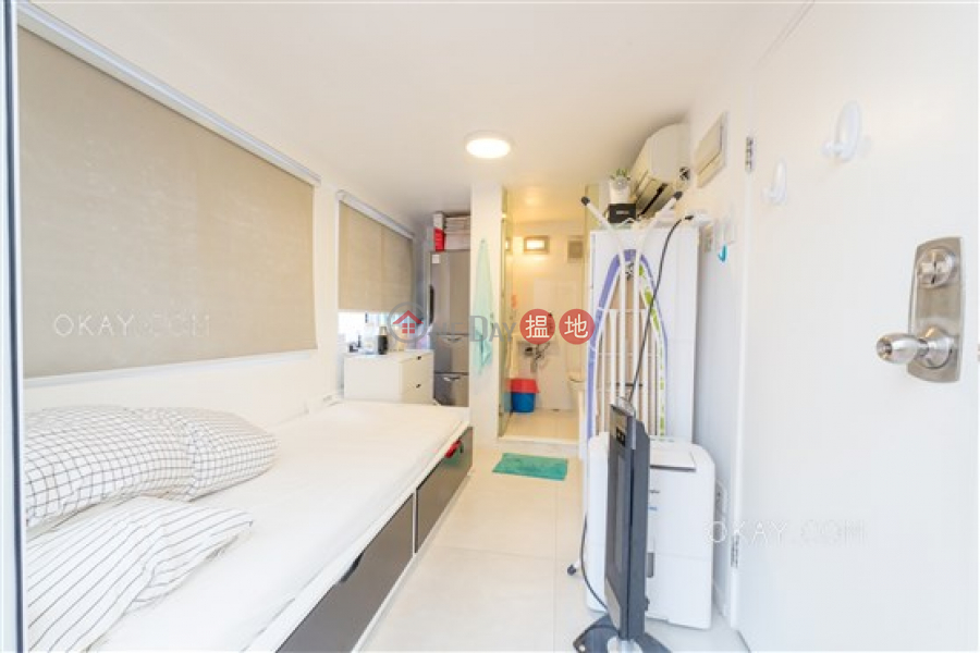 Property Search Hong Kong | OneDay | Residential | Sales Listings | Charming 3 bedroom on high floor with rooftop & parking | For Sale