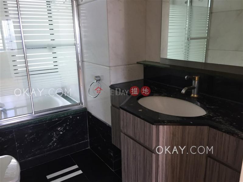 HK$ 75,000/ 月淺水灣道 37 號 2座南區 3房2廁,海景,星級會所,連車位《淺水灣道 37 號 2座出租單位》